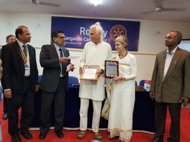Rotary award presentation to Bobji.jpg